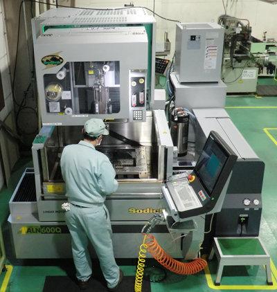 ワイヤ加工機 ALN600Q